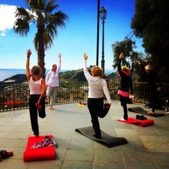 Yogapass på kustens vackra terasser - foto Anki Norden Latella